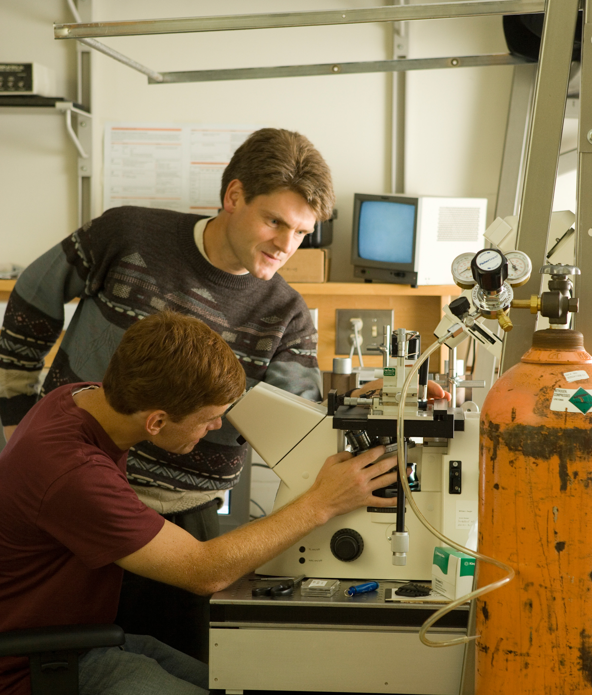 What is better for an undergraduate going into a physics career? ?
